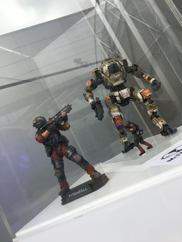 titanfall 2 action figure reveals amp fun at ea play