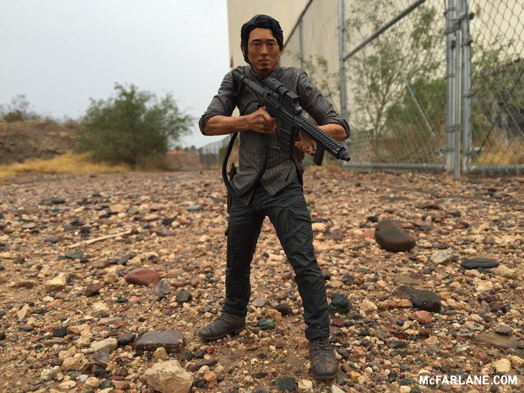 """Mcfarlane The Walking Dead 10/"""" Glenn Deluxe Figure New in Box"""